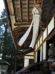 金剛峯寺の切子灯籠です。写真