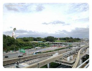 万博記念公園駅からの写真