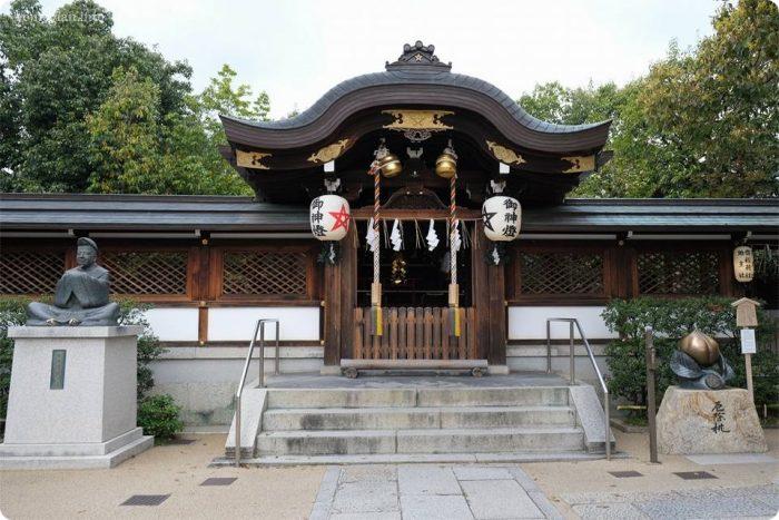 晴明神社の御本殿