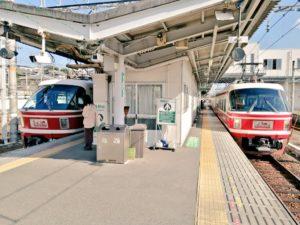 橋本駅で特急こうやの行き違い